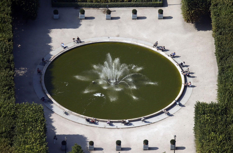 фонтан в парке Пале-Рояль