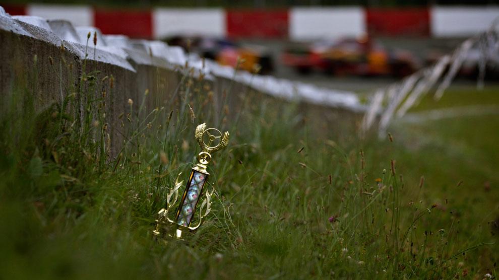 трофей на гонках, фото