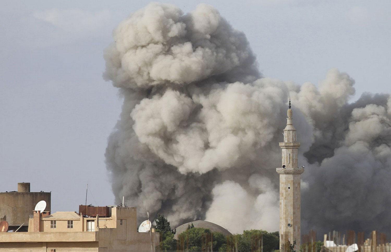 Рас-аль-Айн после удара с воздуха Сирии, фото