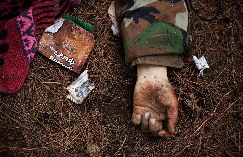 труп солдата в Сирии, фото