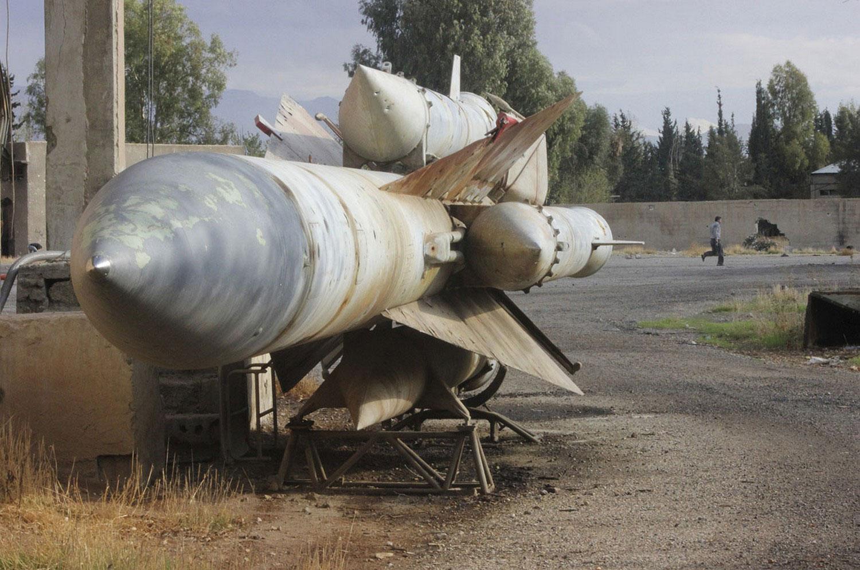 Ракета на территории сирийской базы ПВО, фото