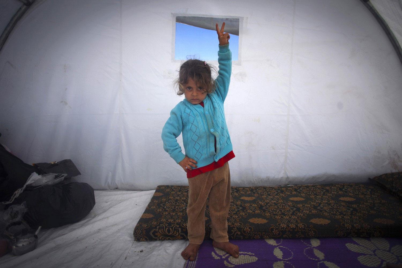 дети в лагере для беженцев, фото