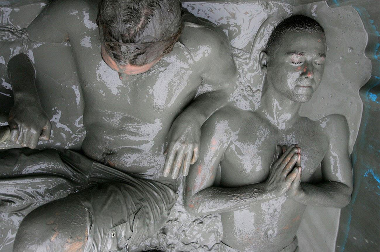 участники фестиваля грязи, фото