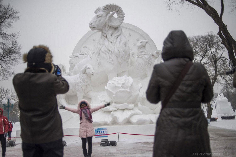 ежегодный китайский фестиваль льда и снега