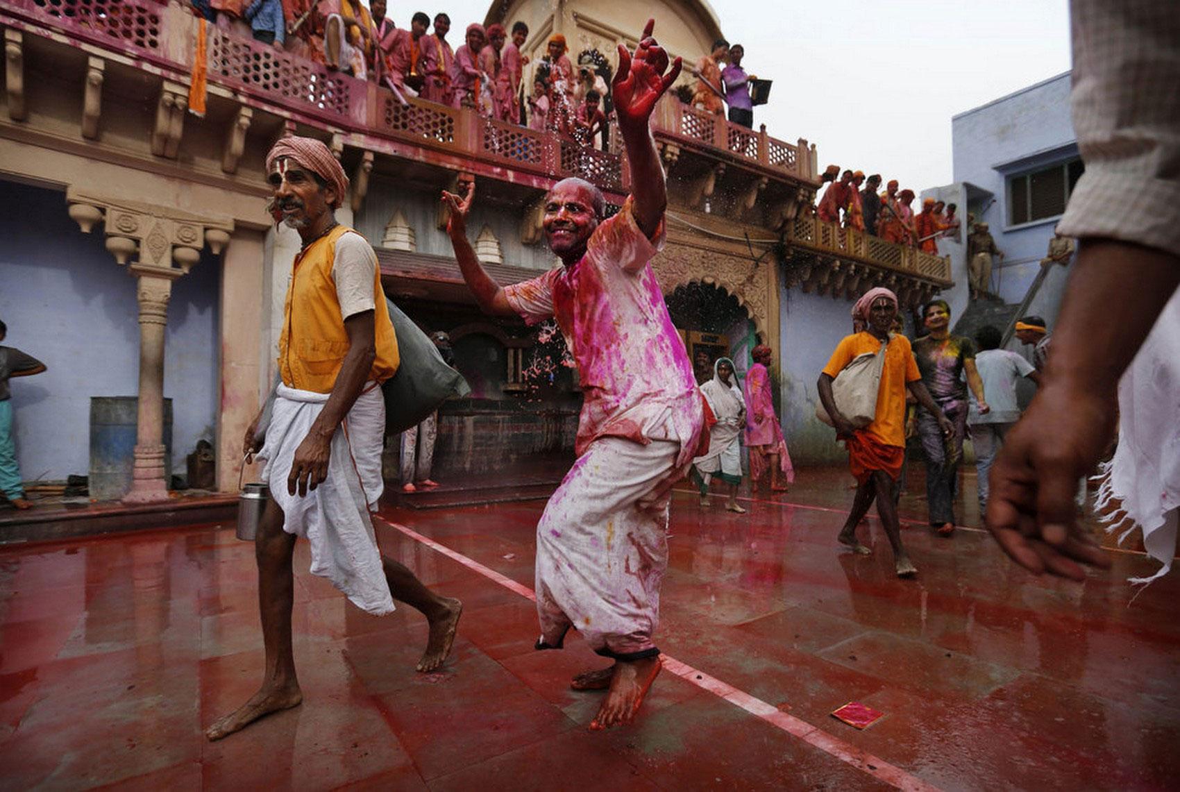 Танцы индуса