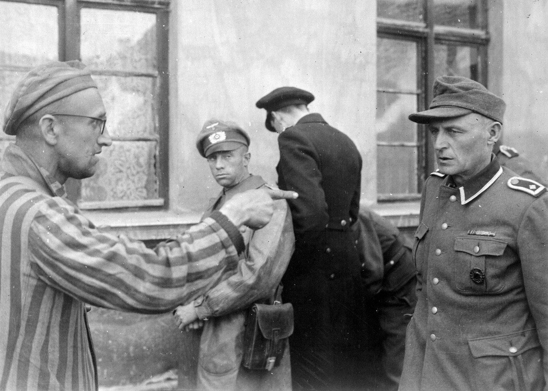 в концлагере Бухенвальд в Тюрингии