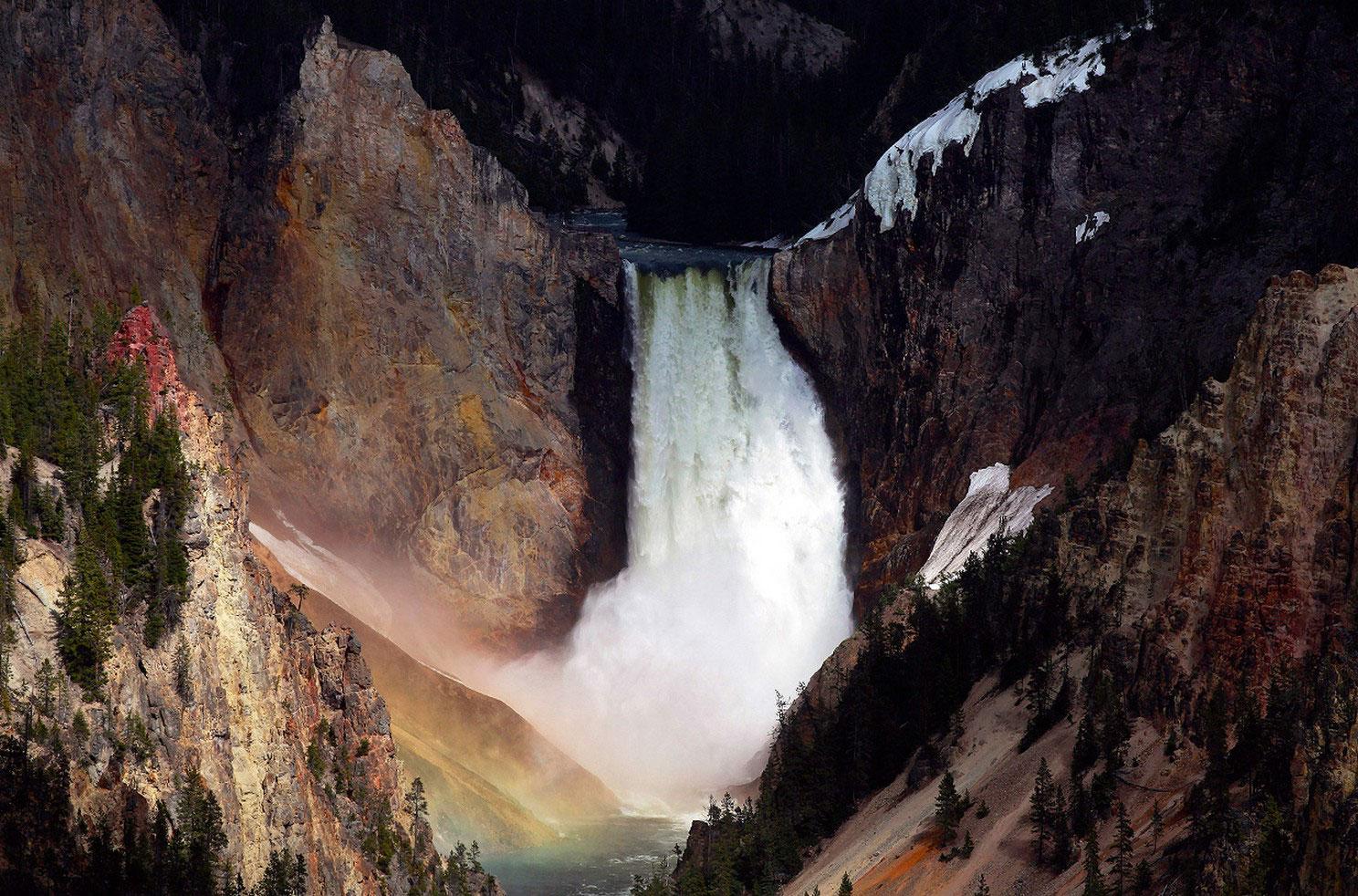 Нижний Водопад в Йеллоустоун