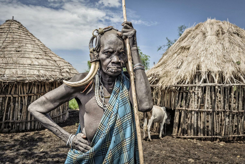 женщина племени Мурси