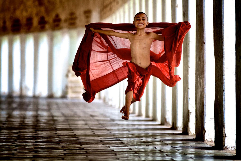 Молодой монах