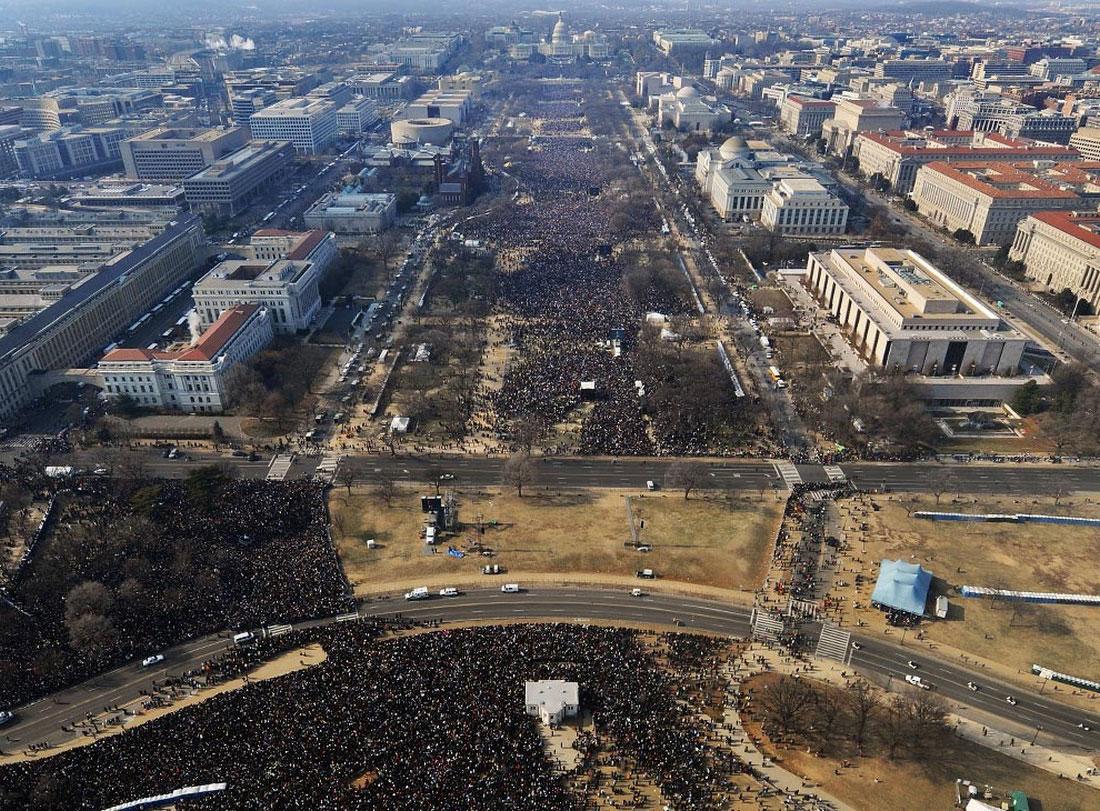 народ перед Капитолием, фото США