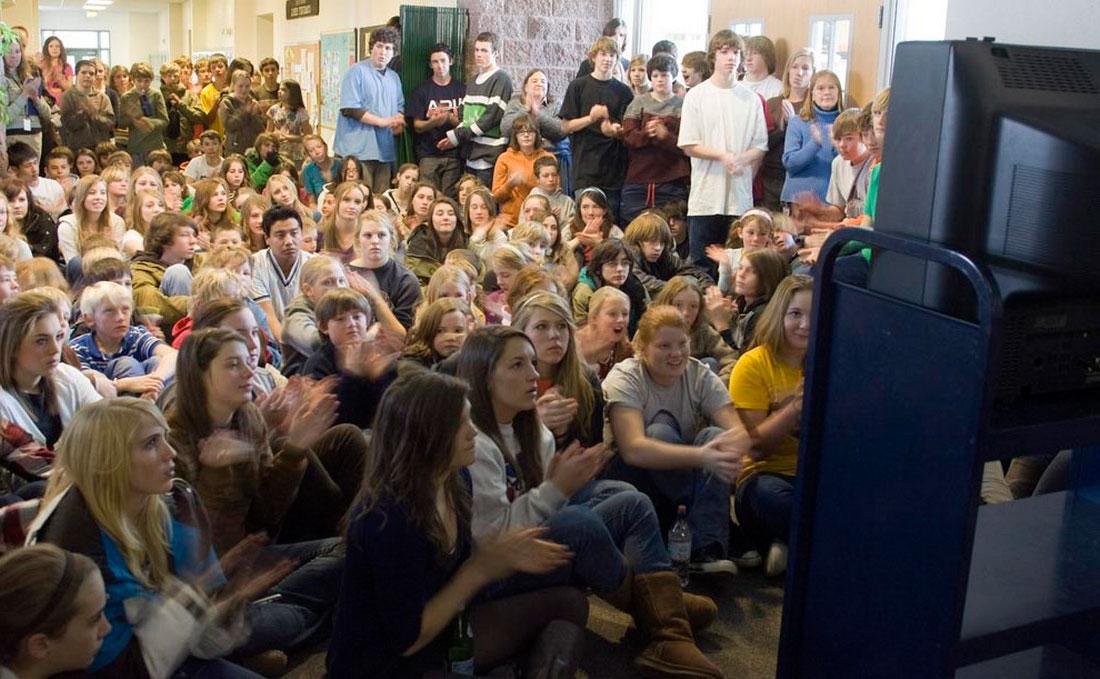 ученики аплодируют новому президенту, фото США