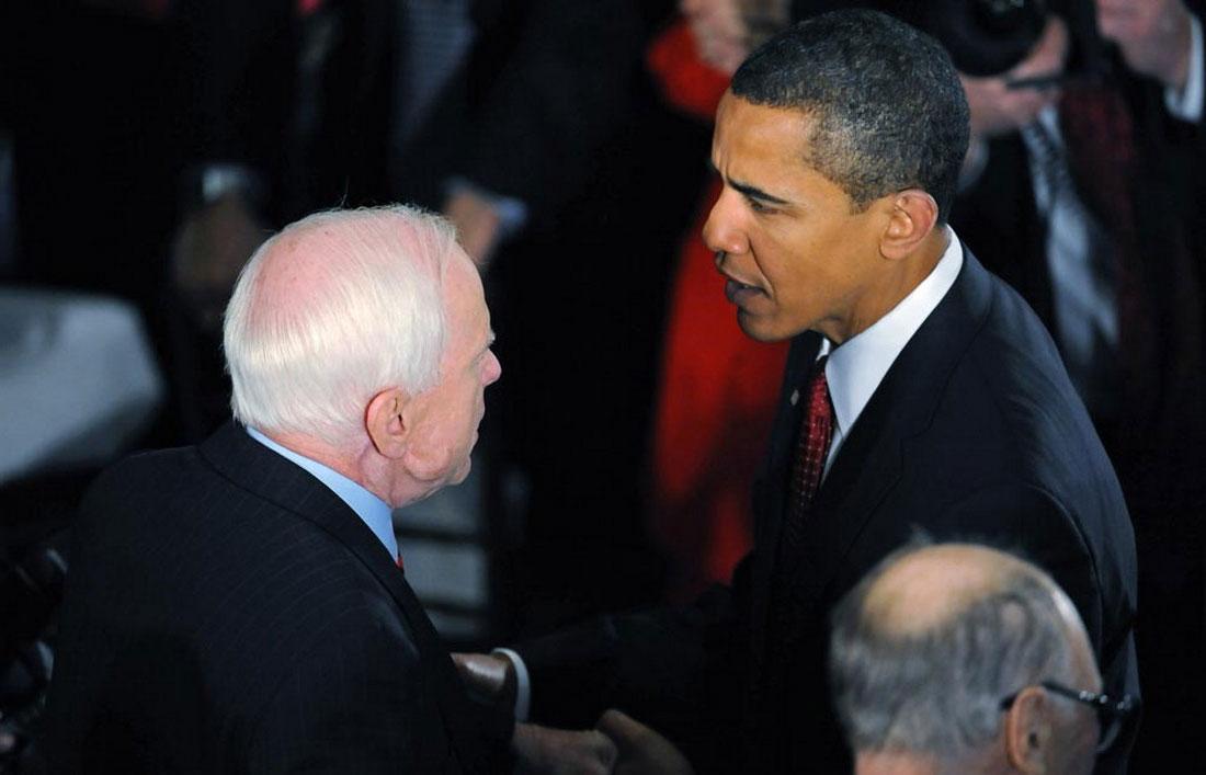 президент с Джоном Маккейном, фото США