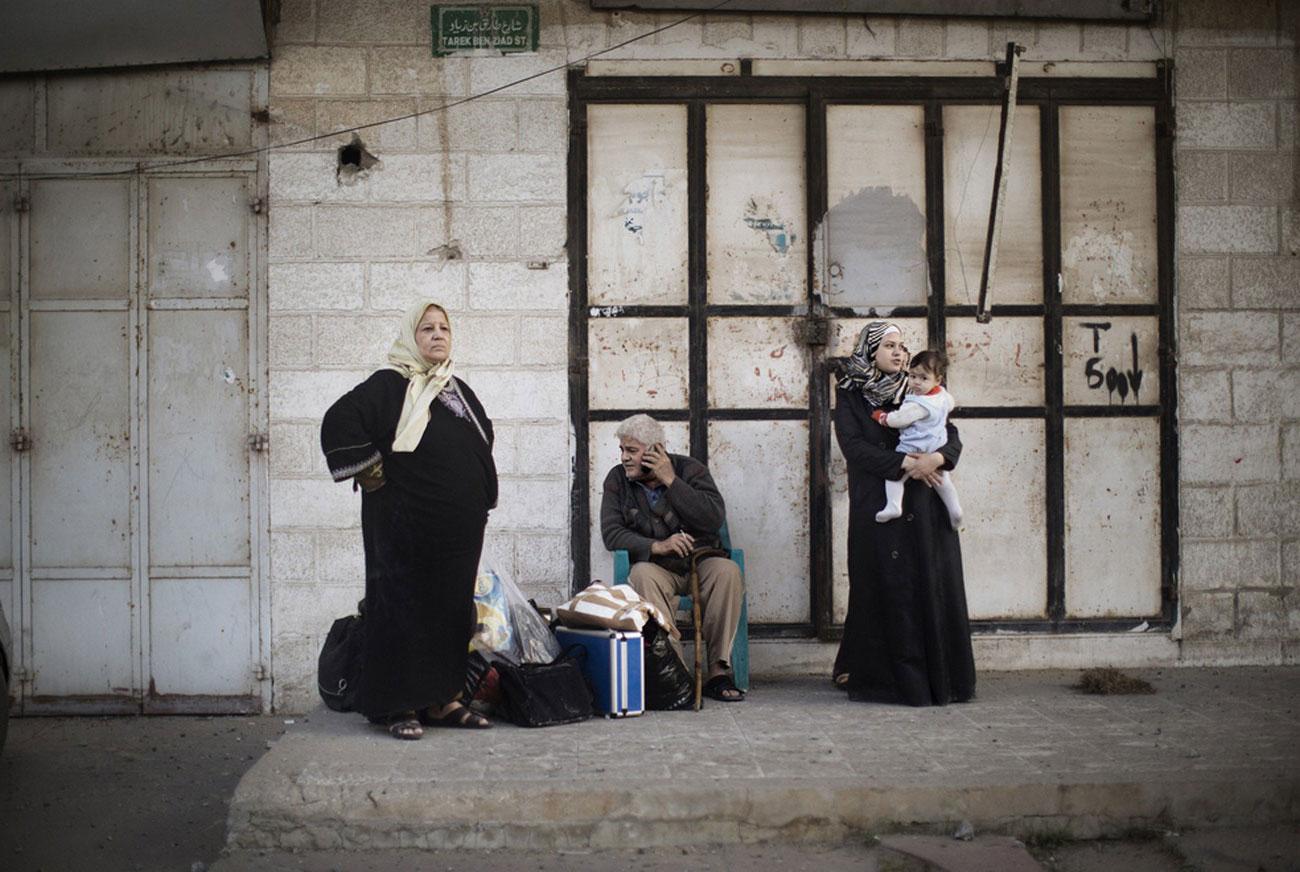 жилой район после налета израильской авиации