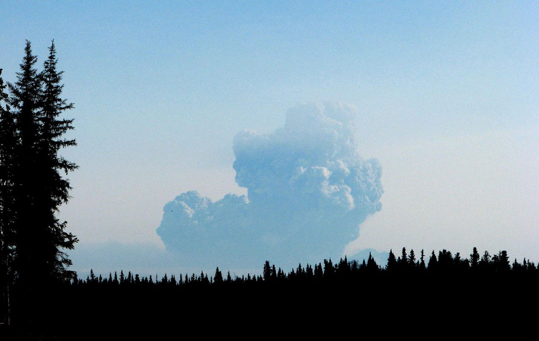 извержение вулкана, фото с Аляски