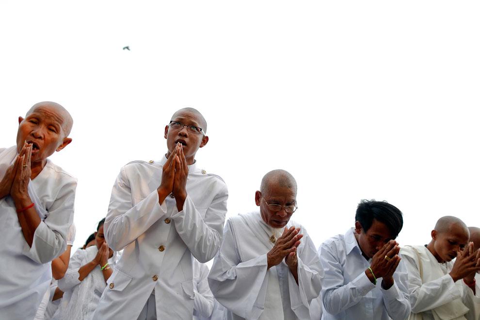 люди на похоронах короля, Камбоджи, фото