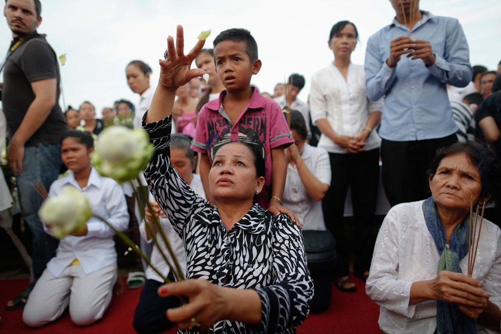 Скорбящие камбоджийцы, фото