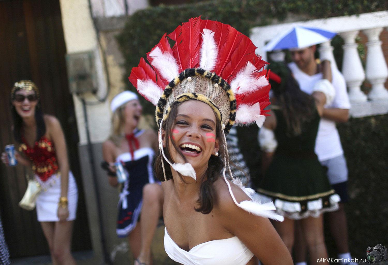 девушка на фестивале