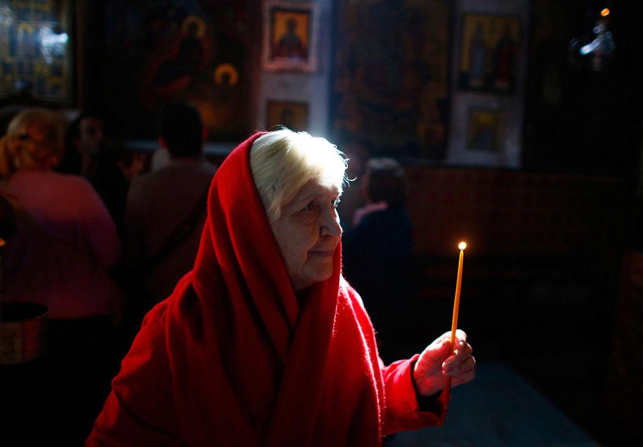 церковь в преддверии Католического Рождества, фото