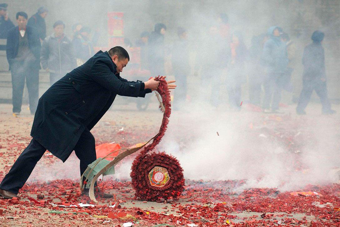 фейерверк в честь китайского Нового года, фото
