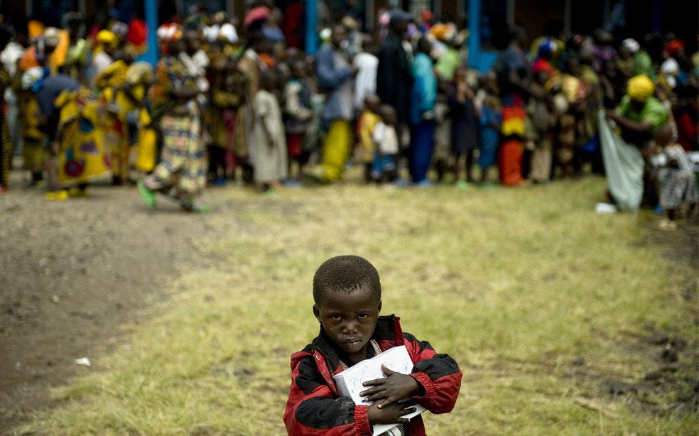 ребенок в деревне Кибати, Конго, фото