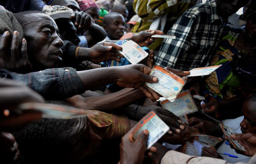 беженцы регистрируют свои удостоверения личности, Конго, фото