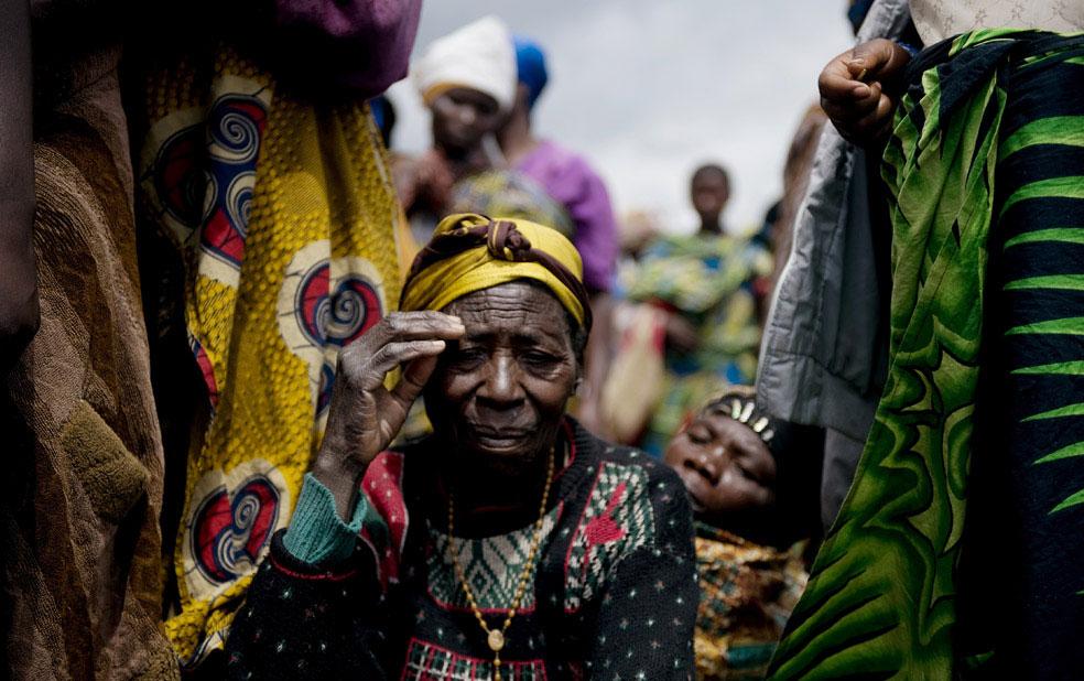 очередь на получение продовольственного пайка, Конго, фото