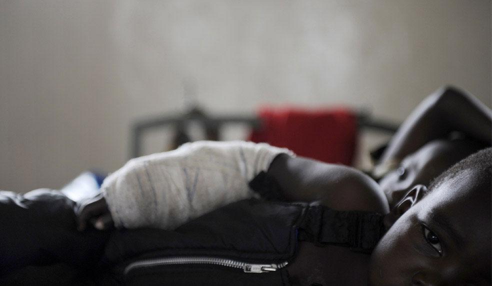ребенок в больнице Рутшуру, Конго, фото