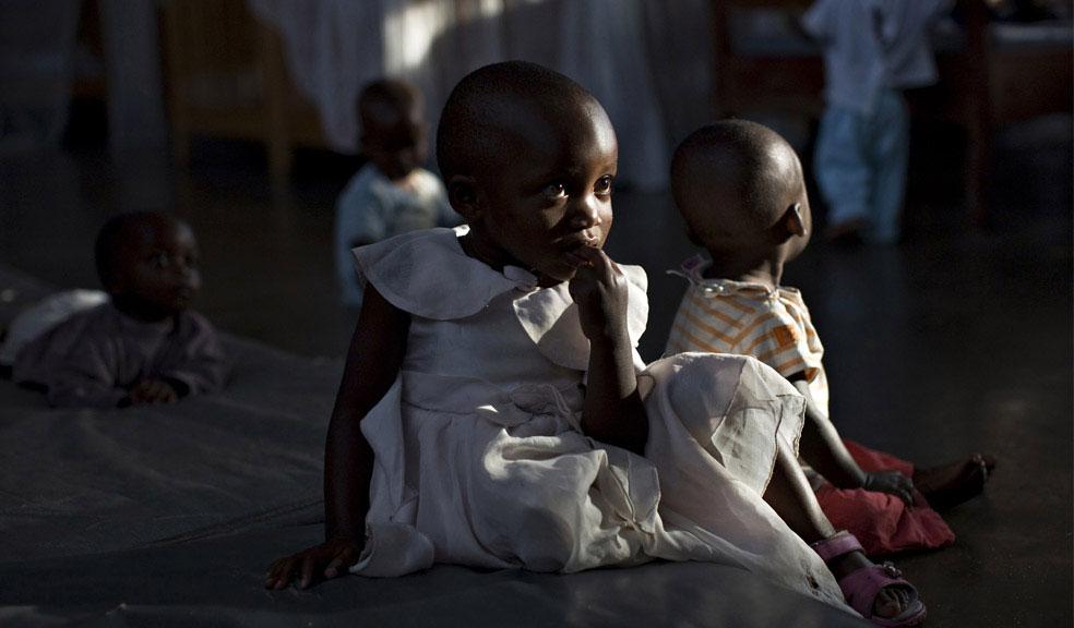 Дети, которые осиротели в результате войны, Конго, фото