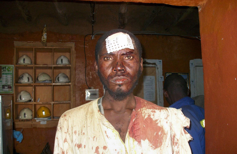 охранник в горнодобывающей компании, фото Мали