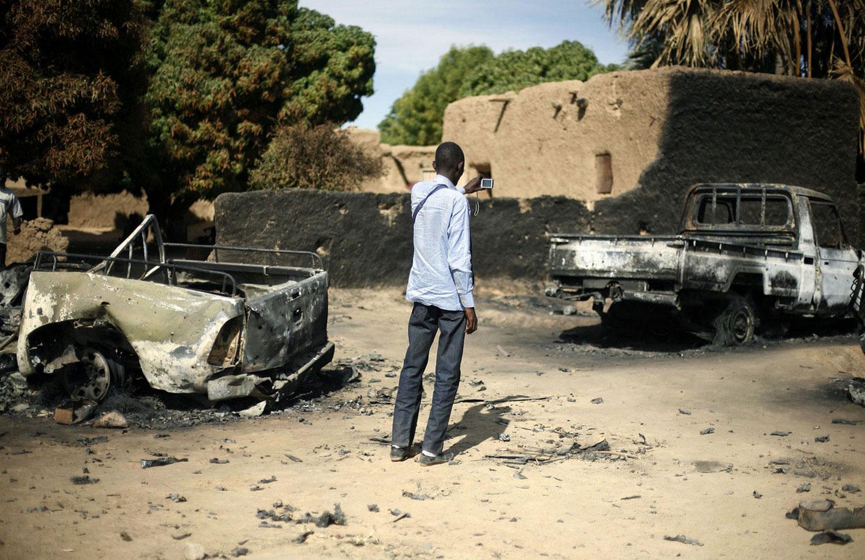 сгоревшие грузовики исламистов, фото