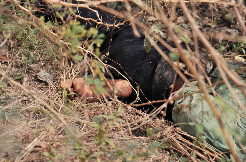 тело исламистского боевика, фото Мали