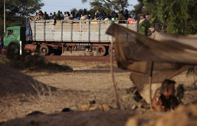 грузовик с фермерами из Мали, фото