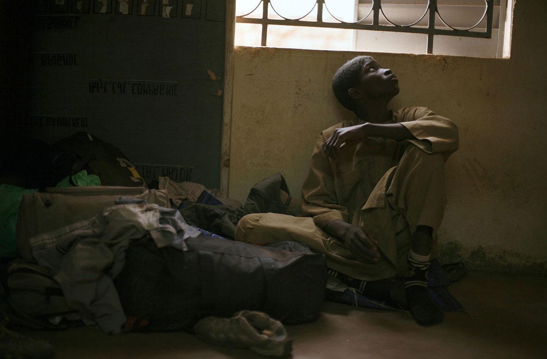 ребенок в полицейском участке, фото Мали