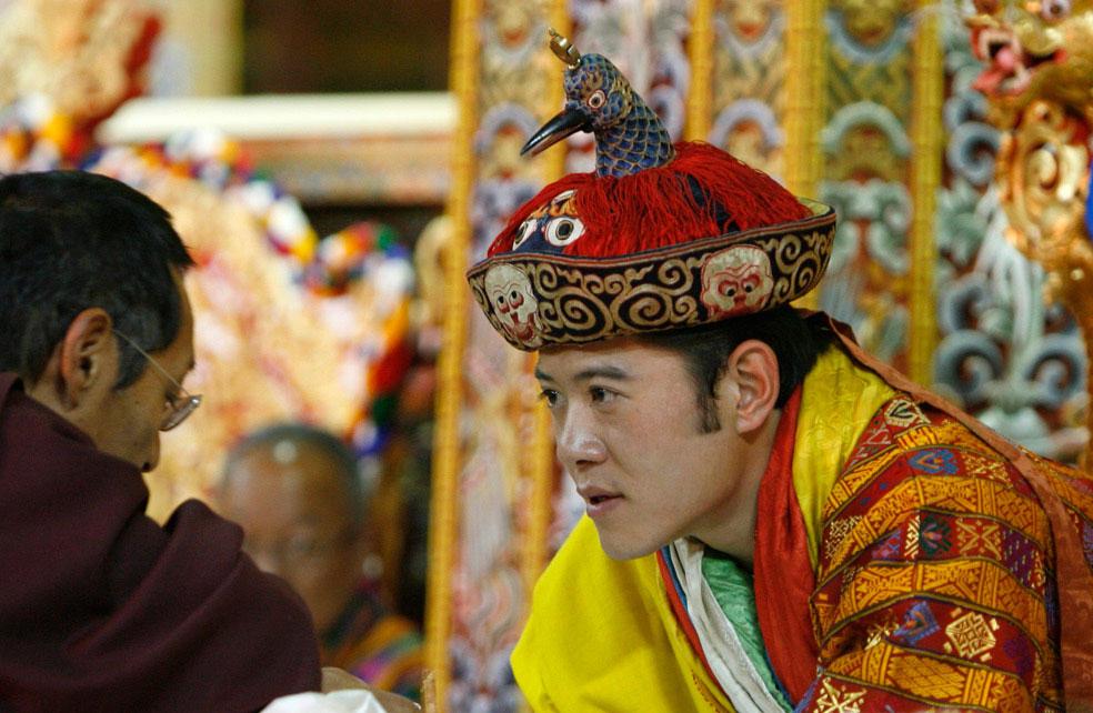 король в тронном зале во дворце, Бутан, фото