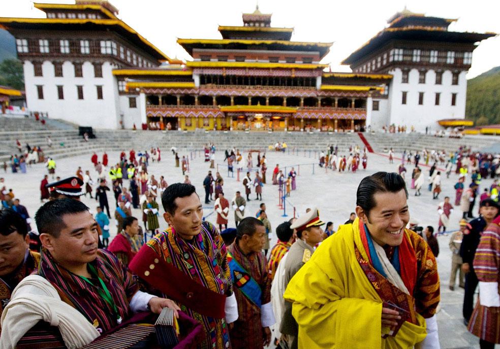 король общается со своим народом, Бутан, фото