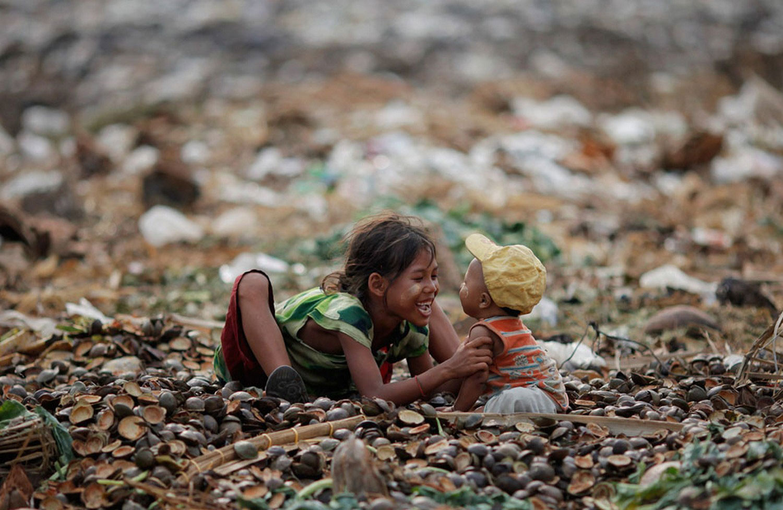 игры детей на свалке, фото