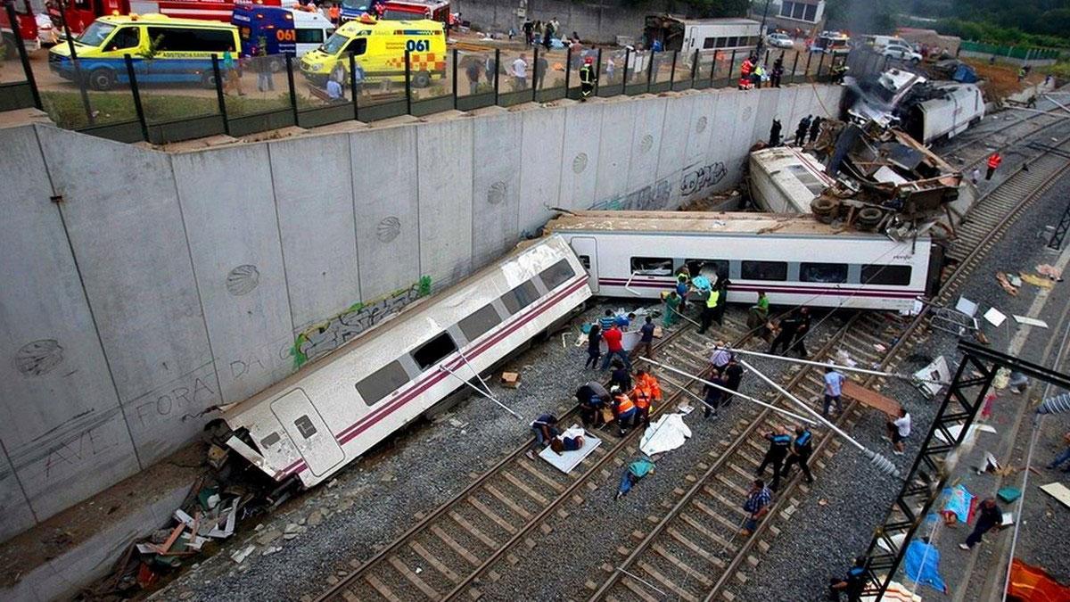 крушение пассажирского поезда