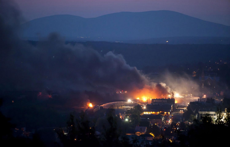 Тушение пожара в Канаде