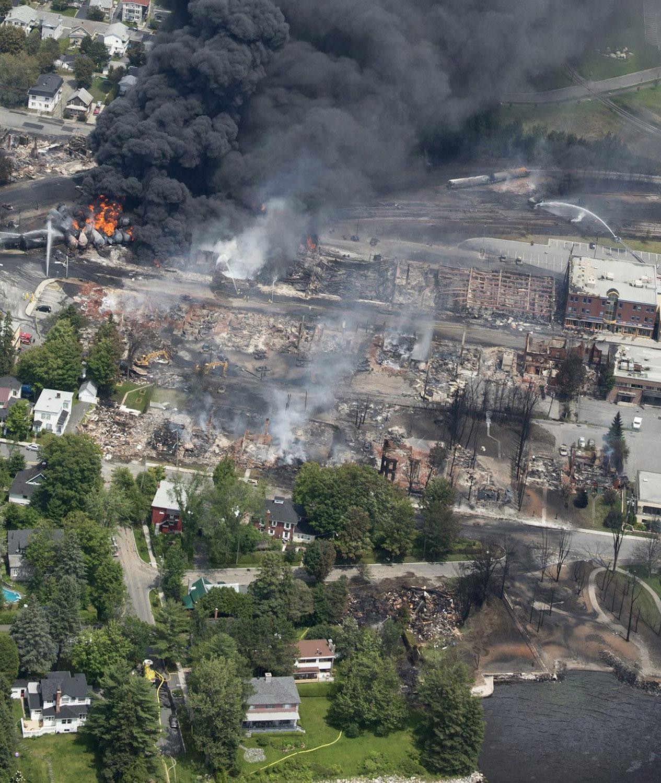 Разрушения в канадском городе