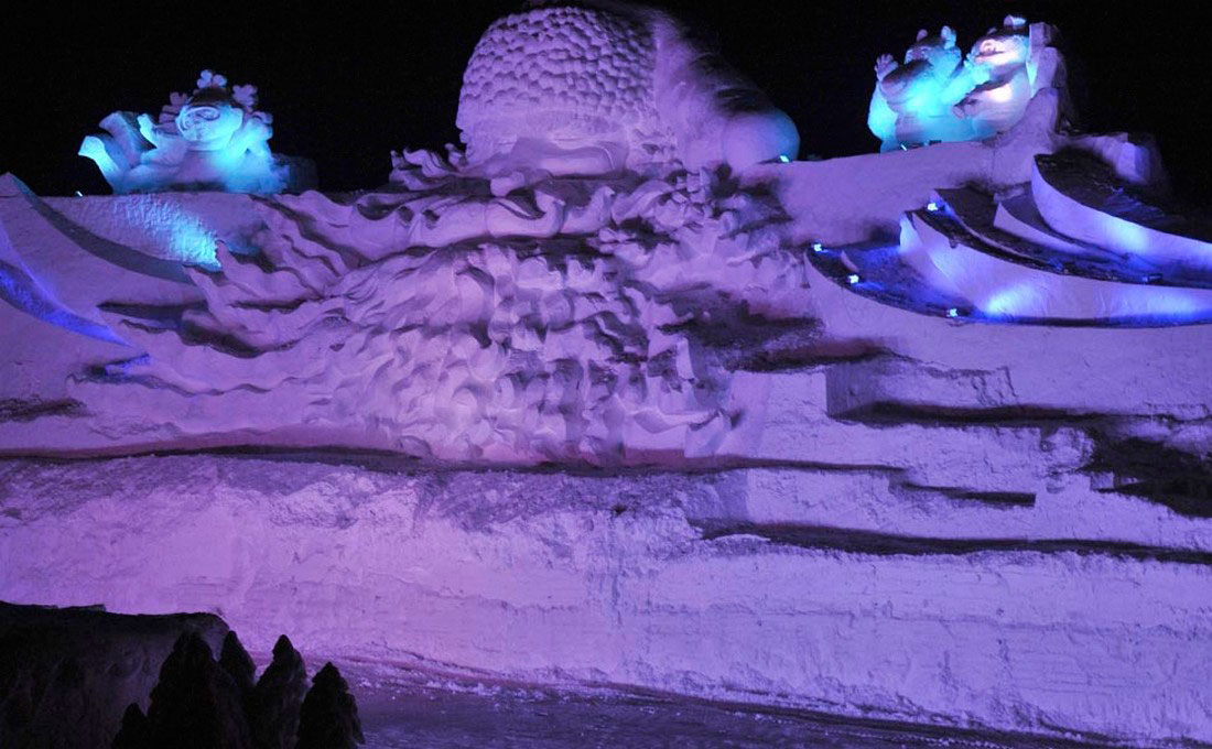 снежный Санта-Клаус в Китае, фото