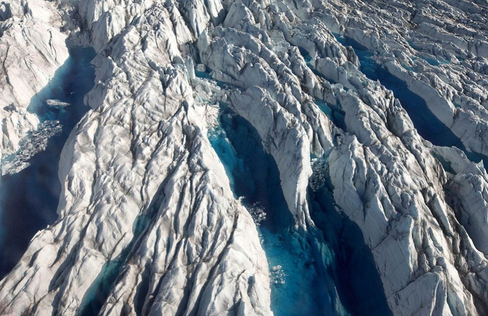 на леднике Гренландии Якобсхавн
