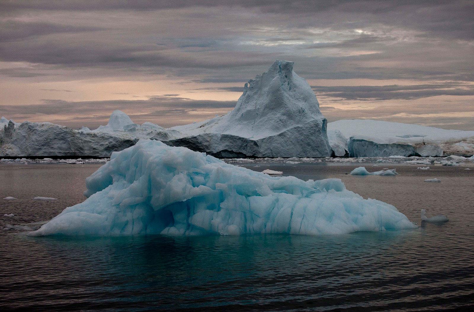 Дрейфующие айсберги, фото
