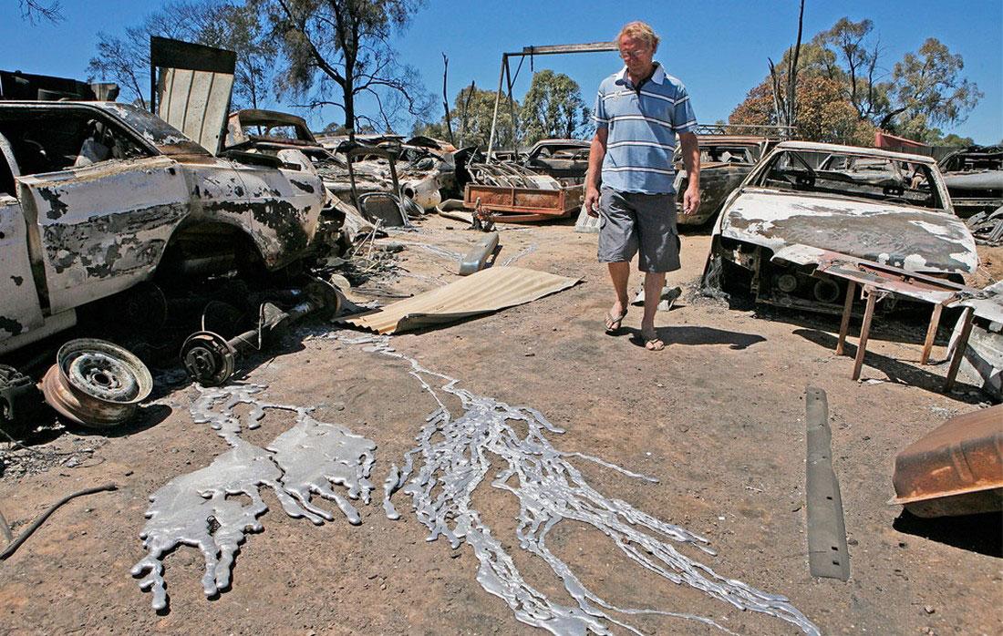 расплавленный металл от огня, фото из Австралии