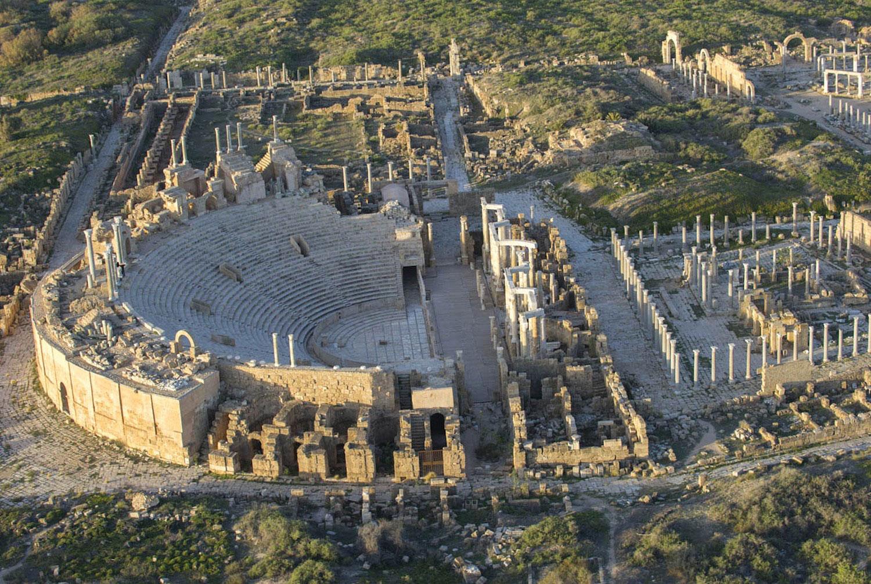 Руины театра в древнем городе