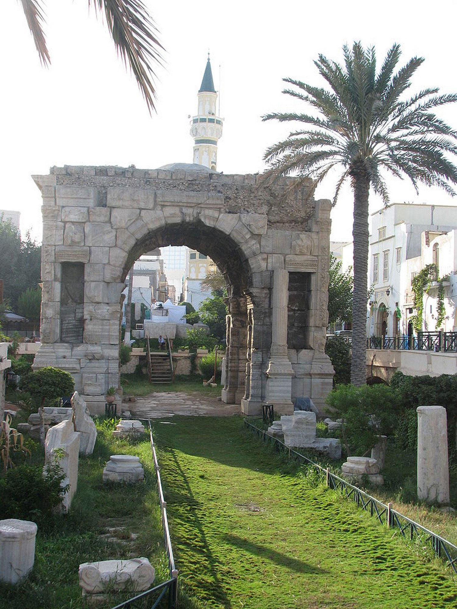 Арка Марка Аврелия в Триполи