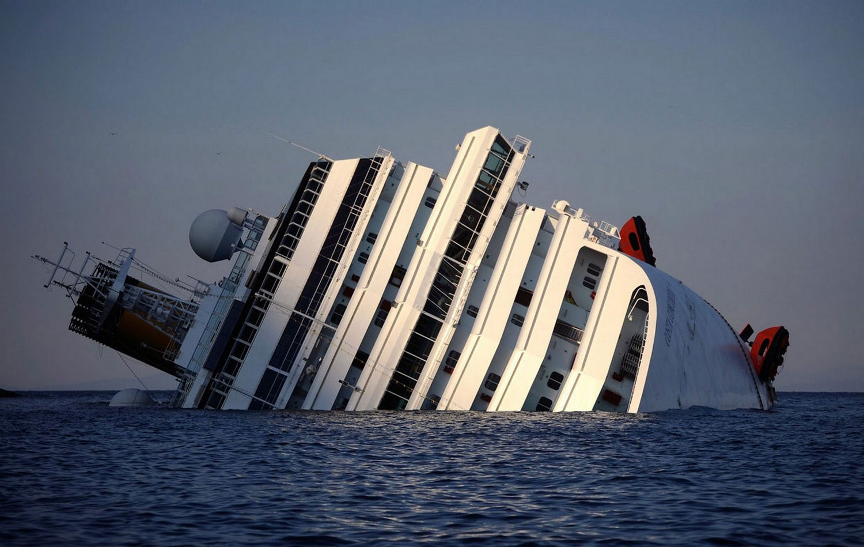 Итальянское судно Costa Concordia, фото