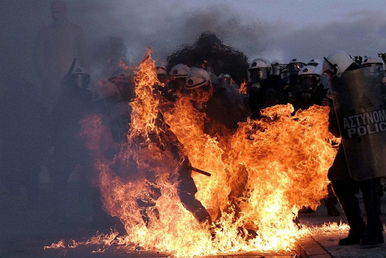 омон в огне, фотографии