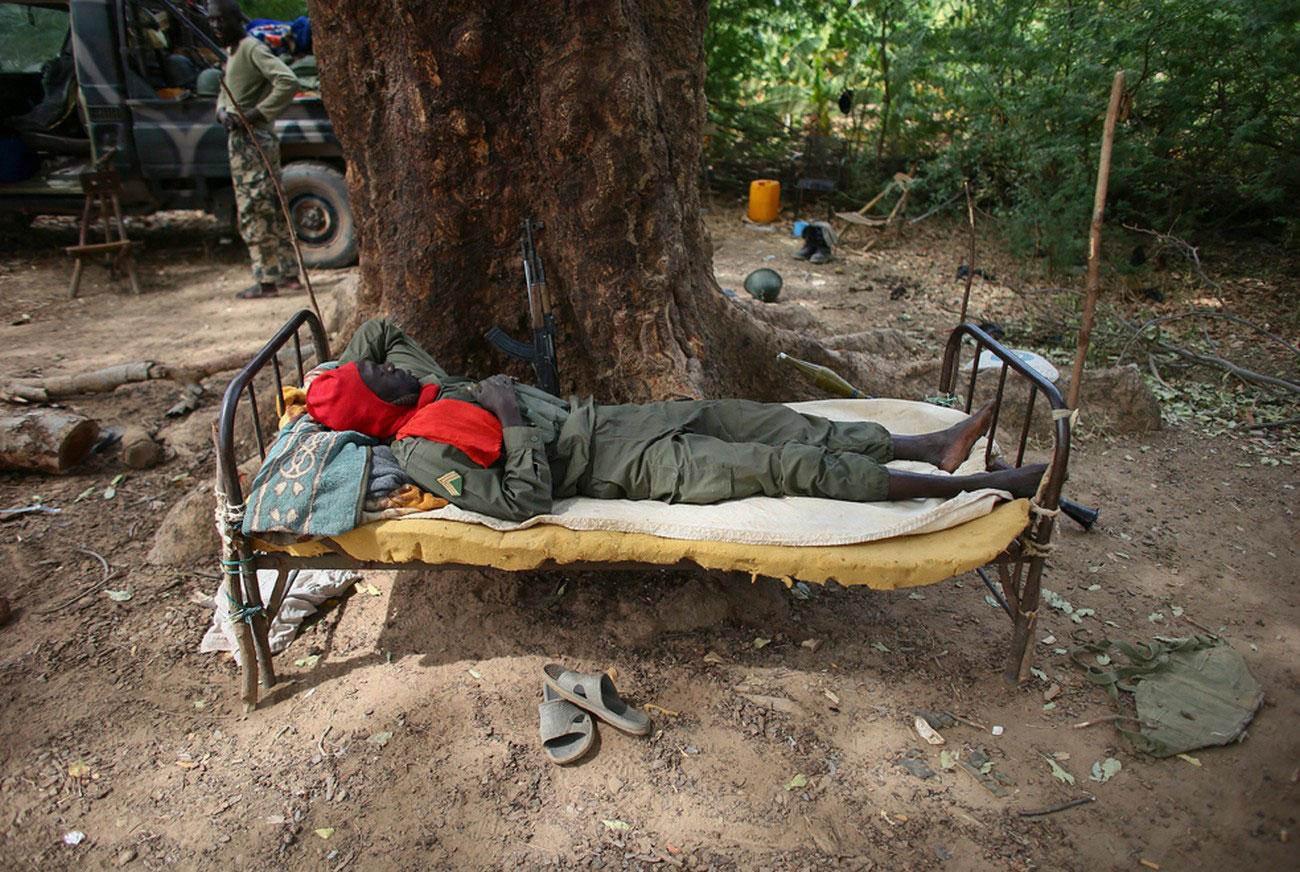 отдых солдата, фото Мали