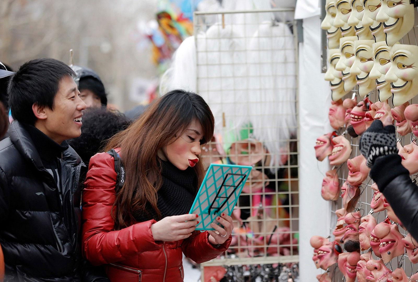 маска на китайский новый год