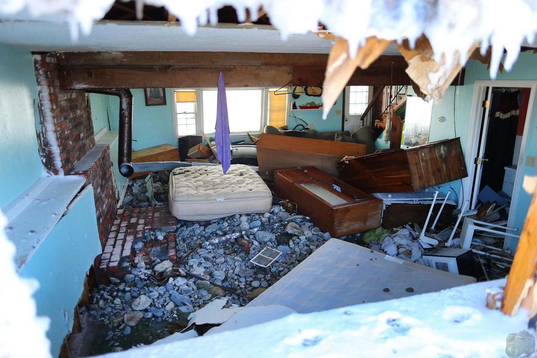 разрушения в доме